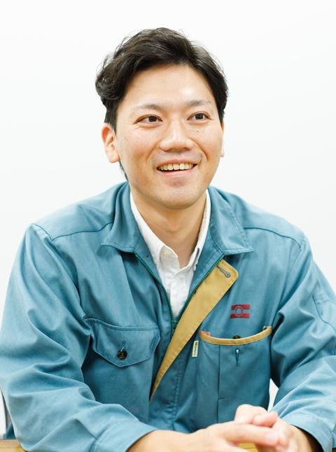 鮮冷部第1課 課長代理 / 長井 宏太